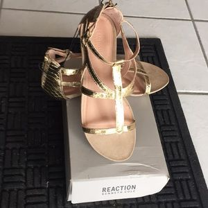 Reaction Kenneth Cole sandals size 10